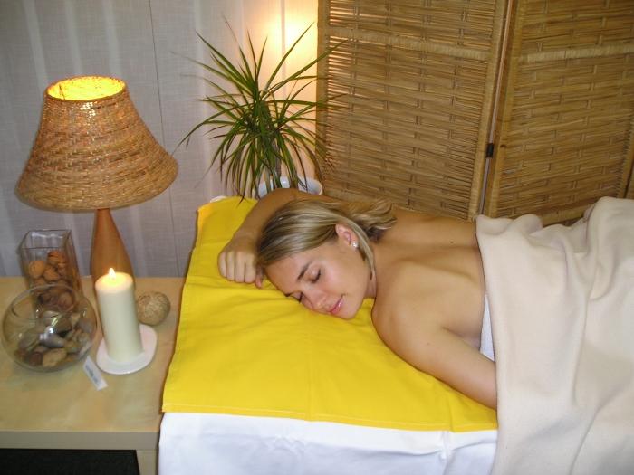relaxační masáž tmavá kůže